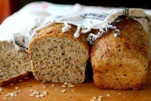 Multi-Grain Flaxseed Bread: Wholesome Goodness