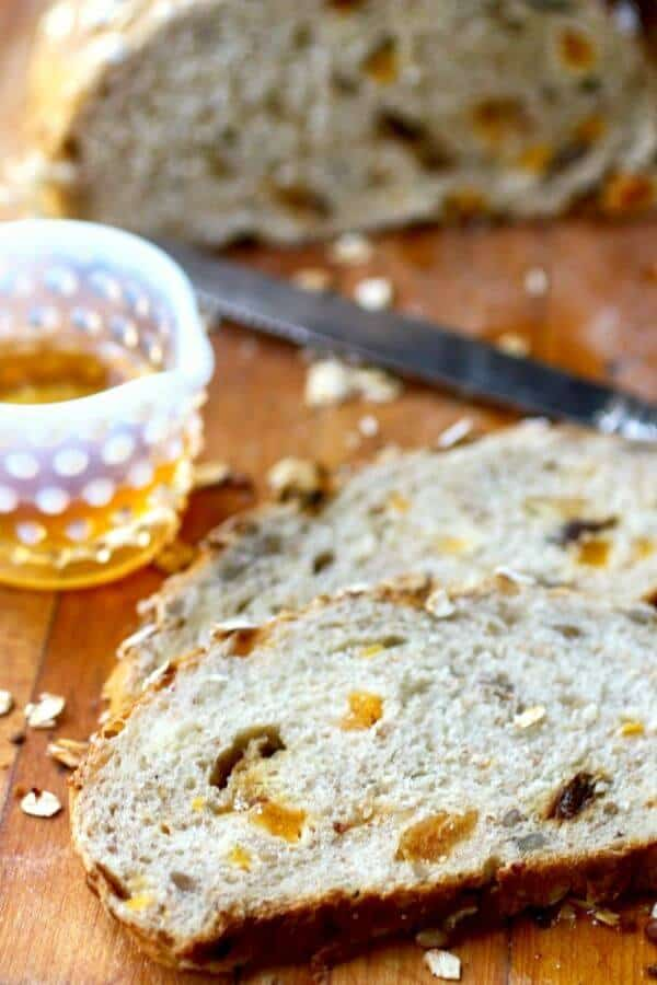 Harvest bread recipe - yeast bread with dried fruit and nuts from RestlessChipotle.com