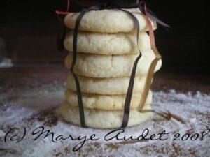 vanilla rose crackle cookies