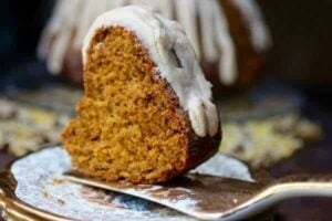 This easy pumpkin bundt cake recipe is even better the second day! From RestlessChipotle.com