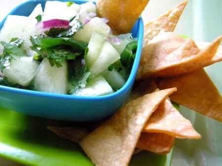 honey dew salsa is light and fresh|restlesschipotle.com