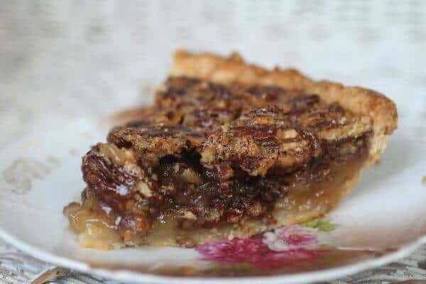 This classic pecan pie is full of pecans and sweet gooey filling. Restlesschipotle.com