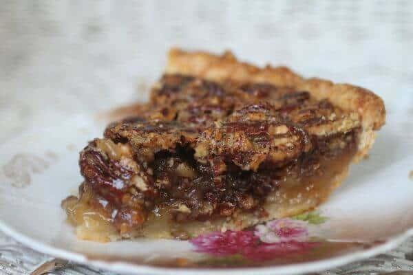 This classic pecan pie is full of pecans and sweet gooey filling. Restlesschipotle.com