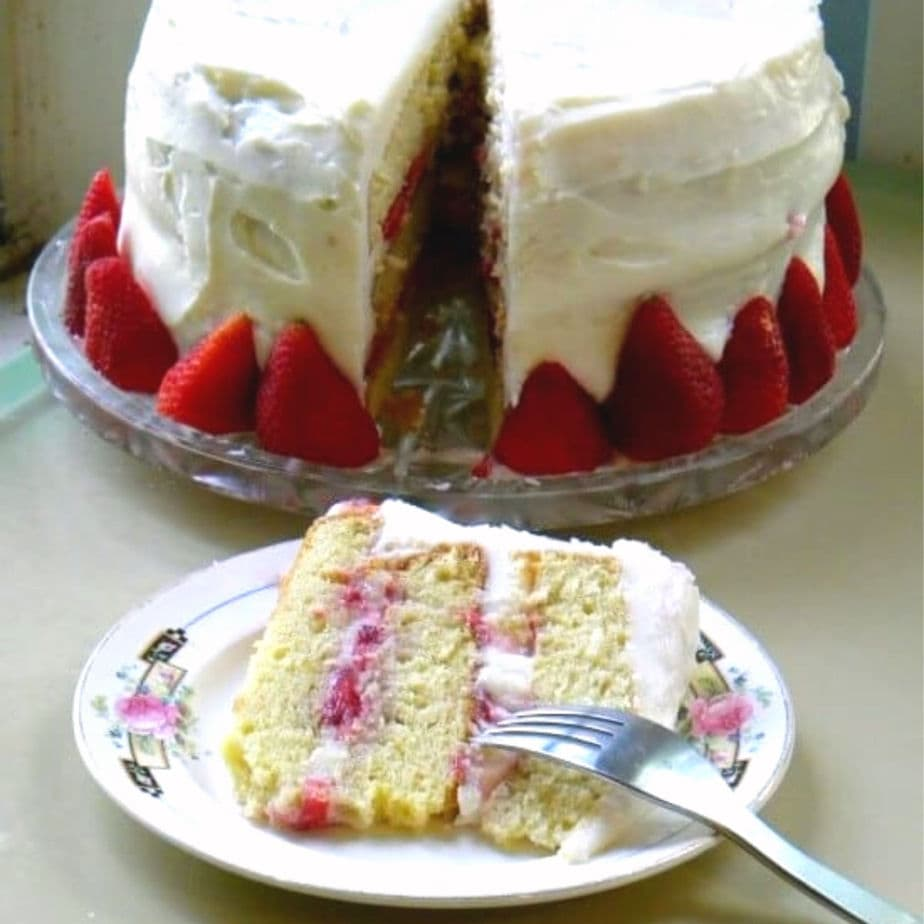 Chantilly Cake Recipe With Strawberries Restless Chipotle