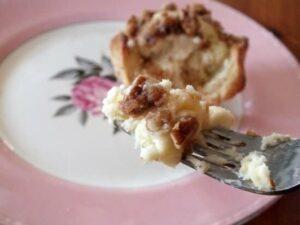 Cinnamon Cream Cheese Crowns