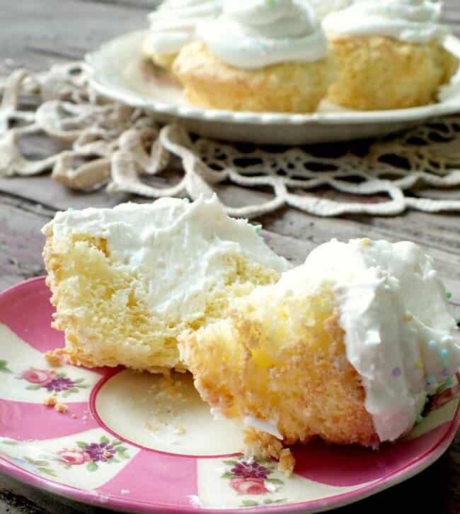 copycat Twinkies cupcakes