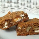 Bourbon-Brown-Butter-Blondies with white chocolate| restlesschipotle.com