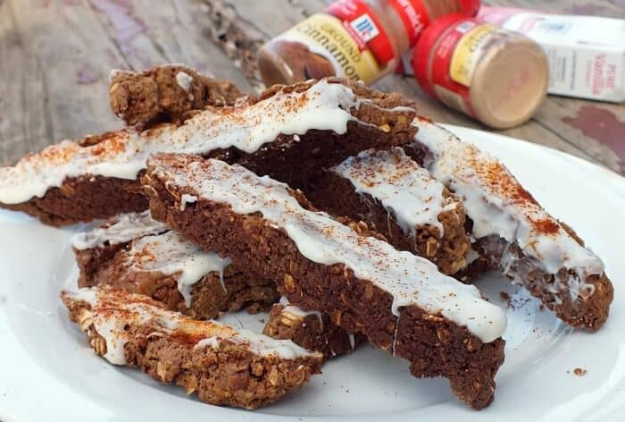 gingerbread biscotti on a plate|restlesschipotle.com