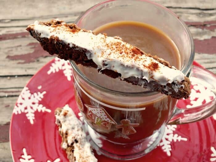spicy gingerbread biscotti and coffee|restlesschipotle.com