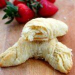 croissants close