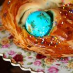 easter egg bread is a gorgeous addition to an Easter brunch|restlesschipotle.com