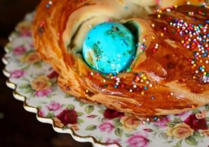 Easter Egg Bread – Pretty Holiday Brunch