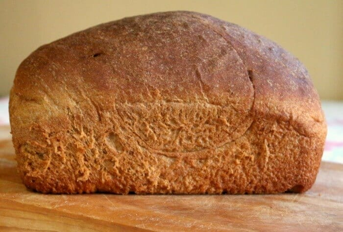 Best recipe for wheat bread ever! - Super easy, homemade 100 percent whole wheat sandwich bread with a little sweetness from molasses|restlesschipotl.com