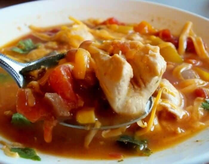 easy, comforting, slow cooker fajita soup|restlesschipotle.com