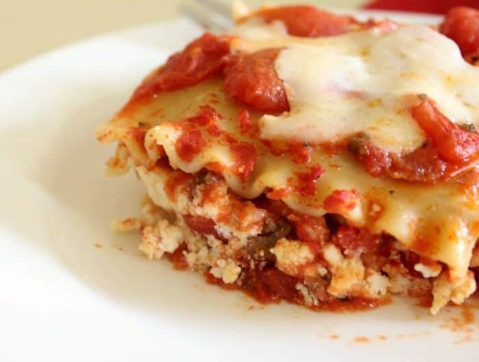 classic lasagna with whole milk cheese is easy to make - restlesschipotle.com