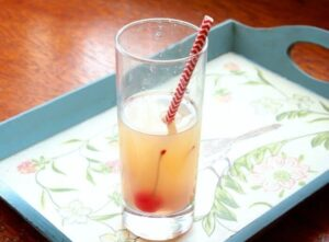 whiskey sour recipe is so easy to make with homemade sour! Restlesschipotle.com