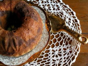 old fashioned marble pound cake recipe is easy to make and stays moist and delicious. Restlesschipotle.com