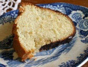 brown butter vanilla bean bundt cake has a velvety texture. Restlesschipotle.com