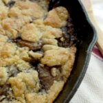 bourbon apple pandowdy is baked in an iron skillet - restlesschipotle.com