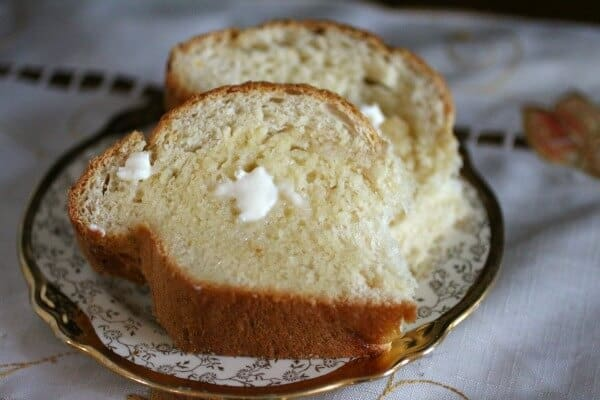 The homemade honey bun has a sweet flavor and the texture is light and airy. Restlesschipotle.com