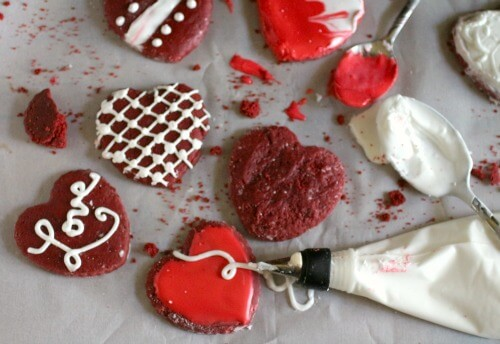 Red velvet sugar cookies have all that yummy red velvet flavor and they are so pretty for Valentine's Day! from Restless Chipotle.com