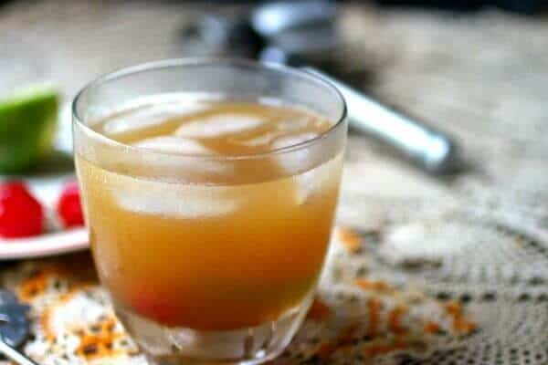 maple syrup old fashioned is a bourbon cocktail - perfect for fall! From RestlessChipotle.com