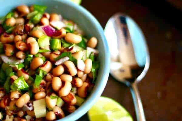 You'll love this easy black eyed pea salad recipe! Fresh and delicious. from RestlessChipotle.com