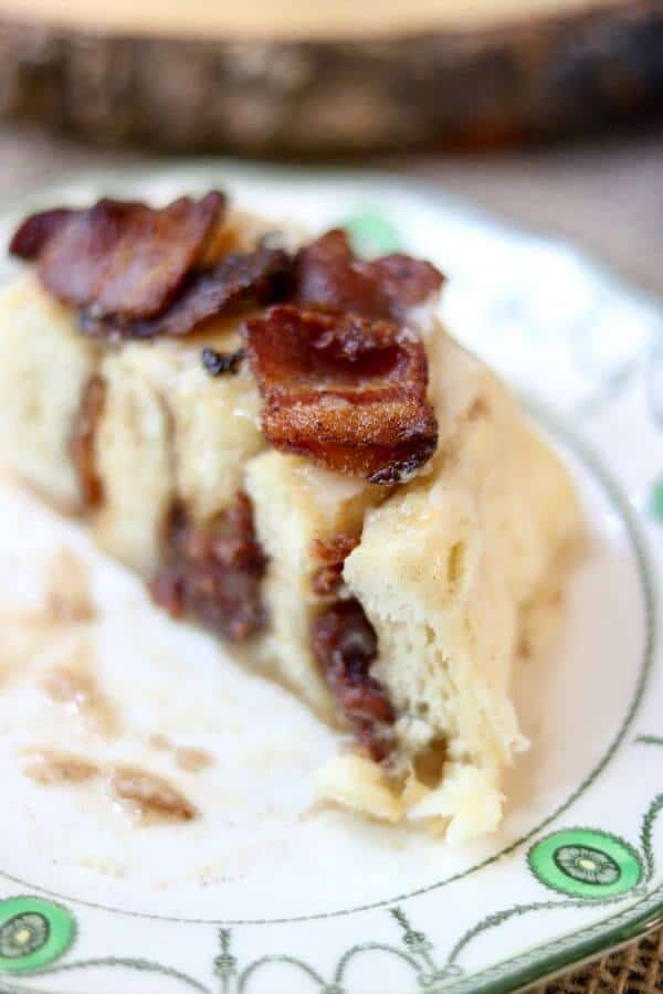How to make bacon cinnamon rolls! from restlesschipotle.com