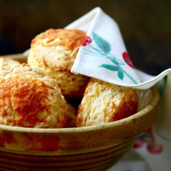 Quick and easy cheddar cheese biscuits are fluffy and addictive! From restlesschipotle.com