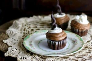 Mexican Hot Chocolate Cupcakes: #Choctoberfest!