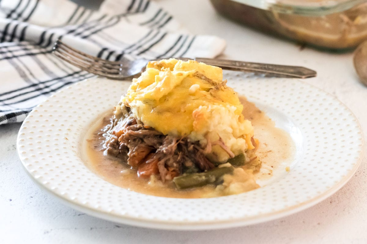 Beef and gravy under a thick mashed potato topping.