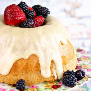 Buttermilk pound cake with berries