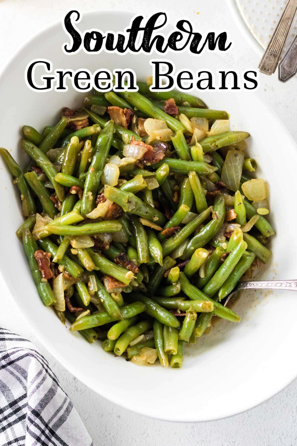 Overhead view of a bowl of green beans with title text overlay.